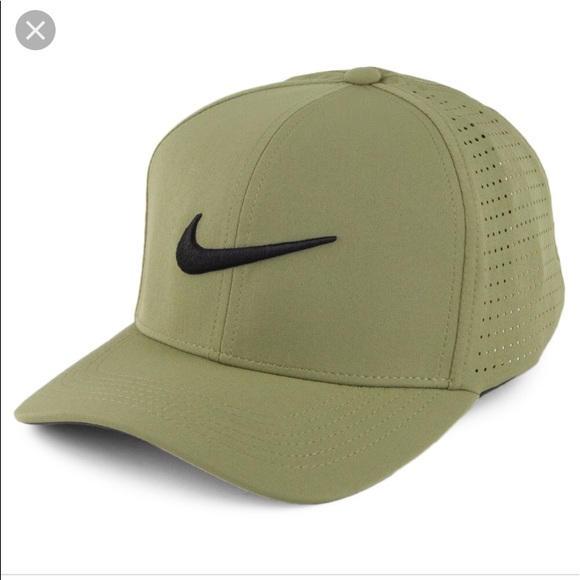 Olive green Nike women s golf hat. M 5b79e6445bbb80e1c335ad10 70df2f19450